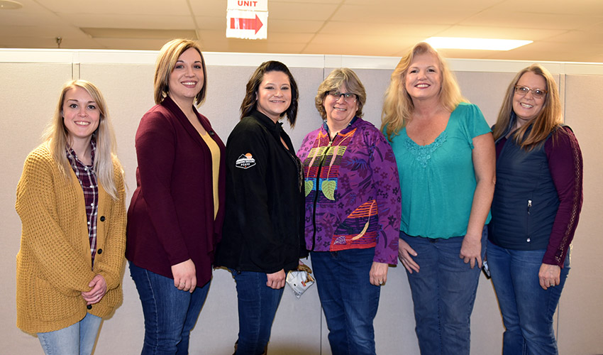 The PCAPP Employee Club encourages members to devote time and energy to volunteer projects in the office at the Pueblo Chemical Agent-Destruction Pilot Plant and beyond.
